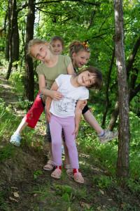 היער השחור עם ילדים
